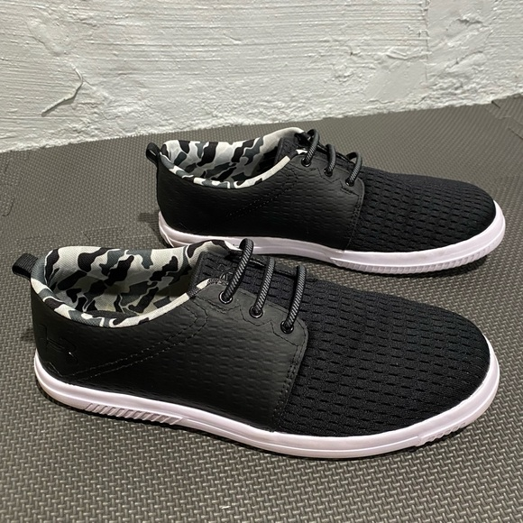 Under Armour black casual shoes